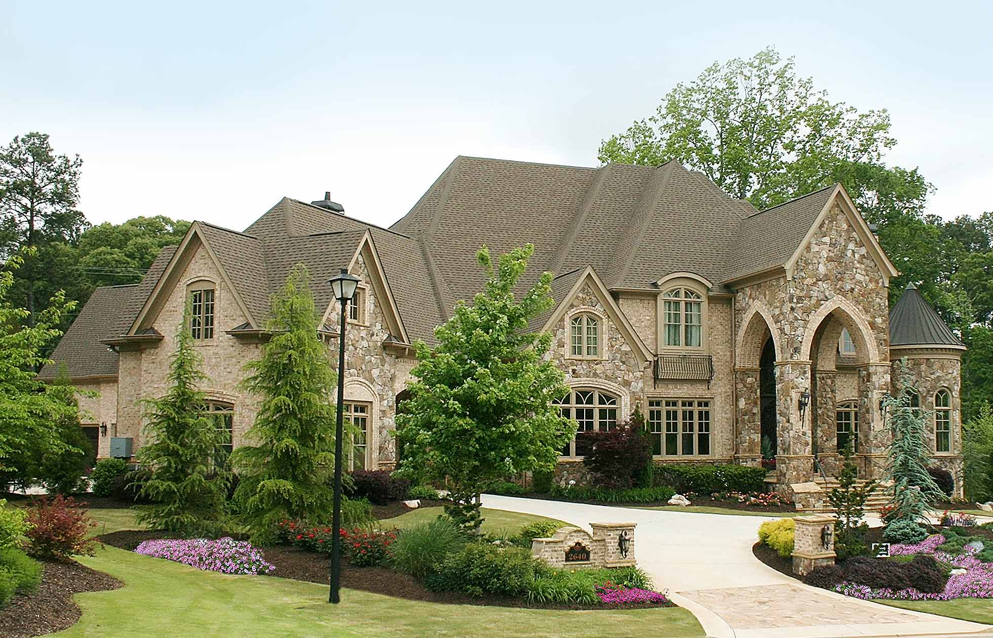 Alex custom homes luxury custom new home builder atlanta for Custom house plans with photos